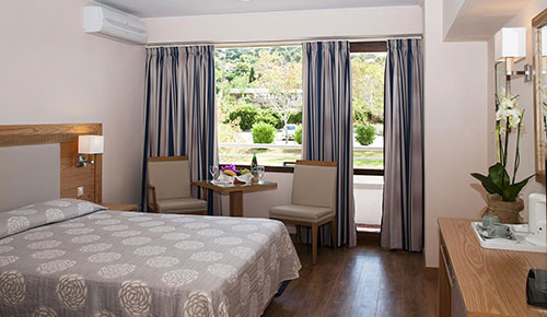 mediterranee-hotel-double-garden-banner