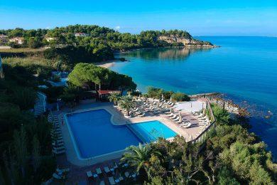 mediterranee-hotel-pool-01